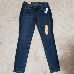 NWT size 2 Super Skinny Rock Star Jeans